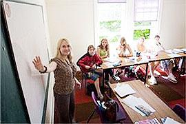 英國遊學-Twin-Group-英國雙子集團-伊斯特本校區-上課情形