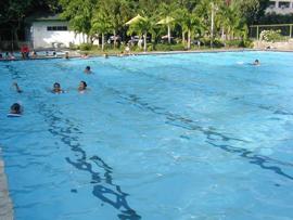 菲律賓遊學-巴克羅-LSLC-泳池
